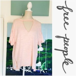NWT FREE PEOPLE LIGHT CORAL V NECK OVERSIZE TEE